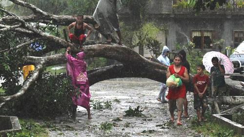 Typhoon Bopha hits Tagum City, southern Philip-pines [Photo: REUTERS/Stringer courtesy of alertnet]