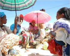 Sebeyan women in the market place.