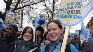 UK-Two-women-and-placard-at-The-Wave-climate-change-march_layout-large
