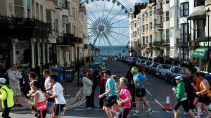 Brighton-Marathon-2014-Pavilion-runners_layout-large