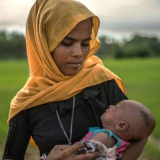 Rohingya mother and baby - Buy them a gift for Christmas